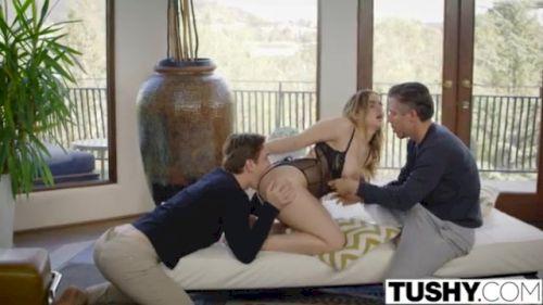 2 Unge Lesbiske Piger I Pornofilm Får Besøg